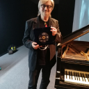 Simonetti premiazione + pianoforte2